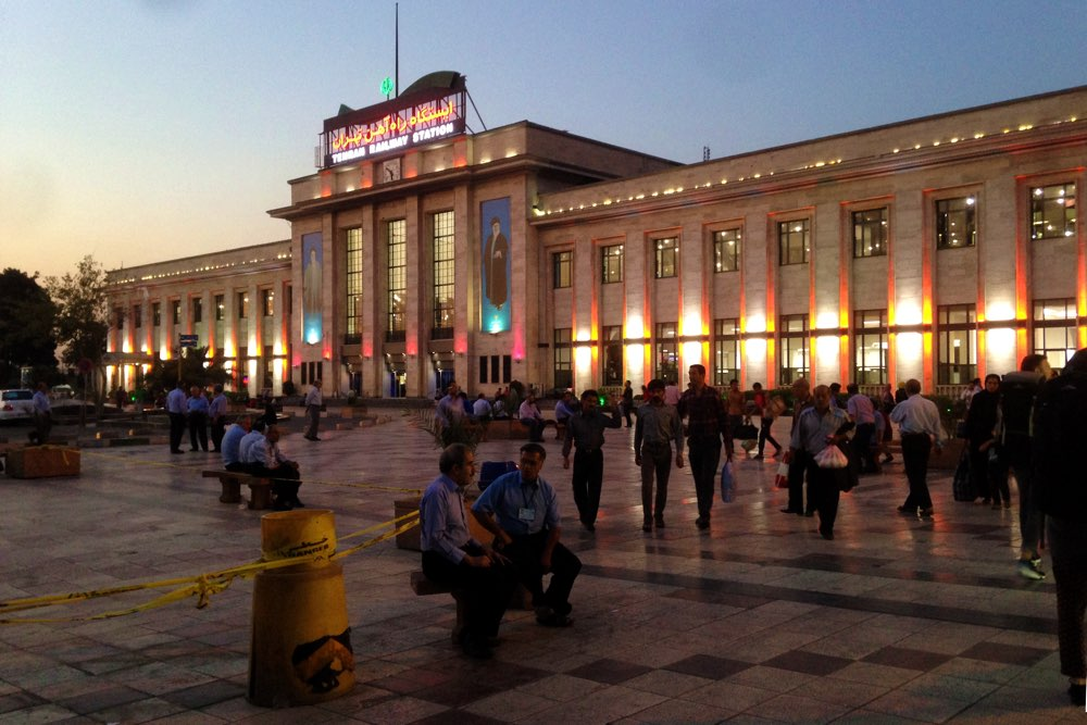 Trans-Asia-Express-Türkei-Iran-Bahnhof-Teheran
